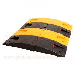 Plastic speed bump 250 X 750 X 75 mm